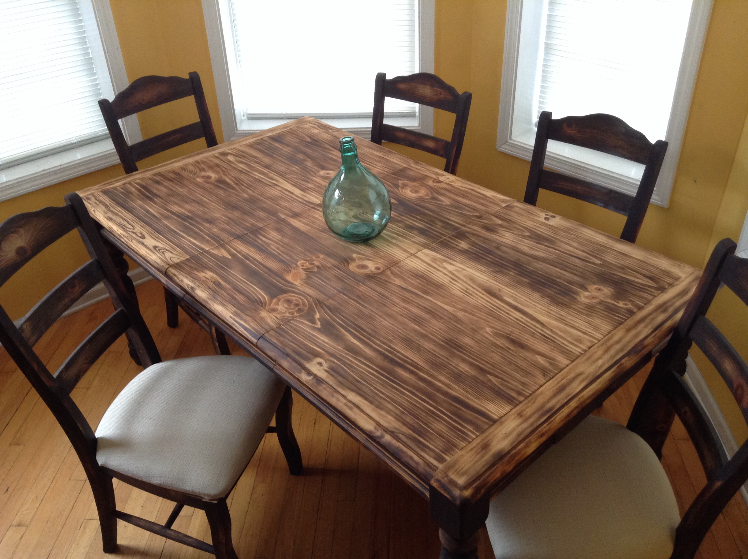 Exclusive Design Pine Dining Room Table 17