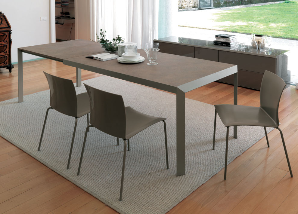 Nice Looking Modern Extension Dining Table